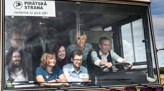 Pirátský autobus v Soběslavi