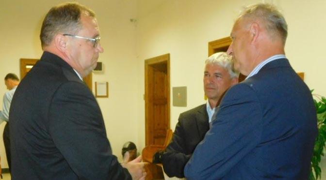 JCTED: Pirát Martin Kákona žaloval soběslavského starostu a ředitele kulturního domu za články v Hlásce. Dohodli se na omluvě
